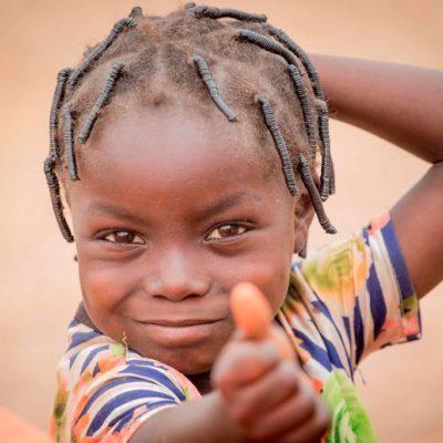 CHAMBBÀA, colaborando desinteresadamente con los más pobres