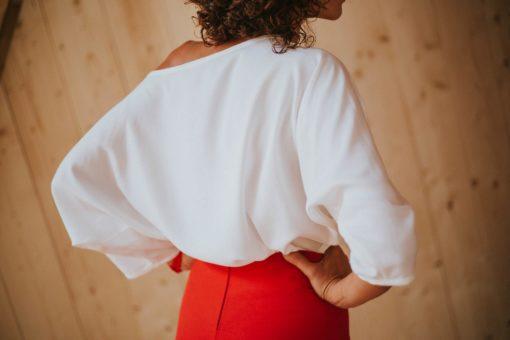Rojo-Maldita-María-Blusa-tencel-blanco-espalda