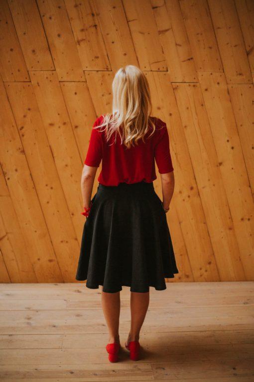 Rojo Maldita María Falda capa midi negra