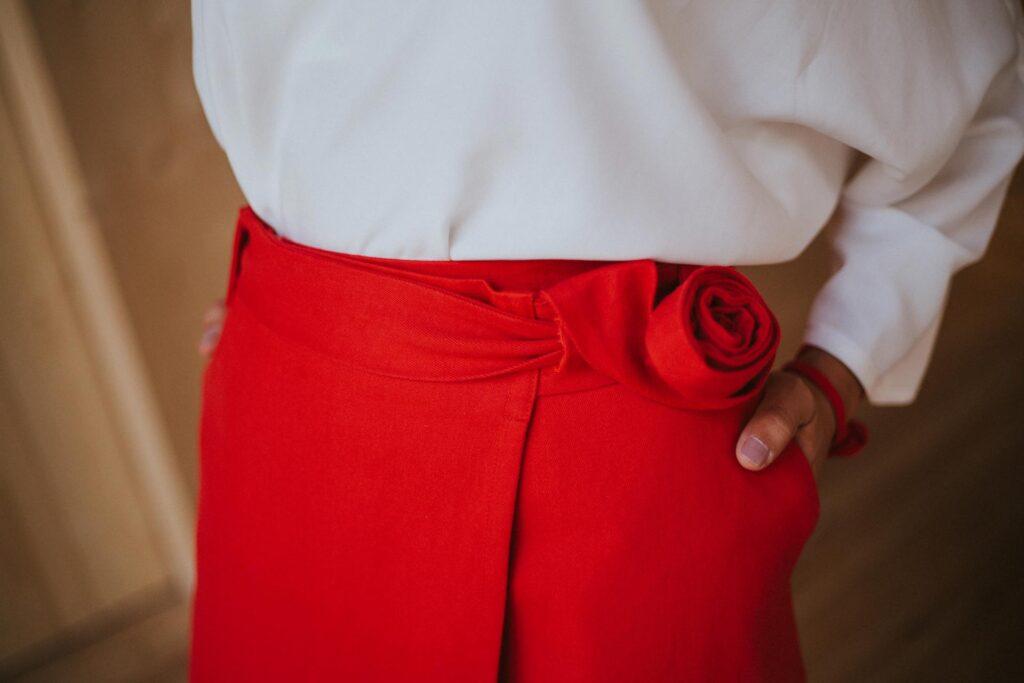 P-Rojo-Maldita-María-CRPc-Falda-larga-pareo-con-cinturón-detalle