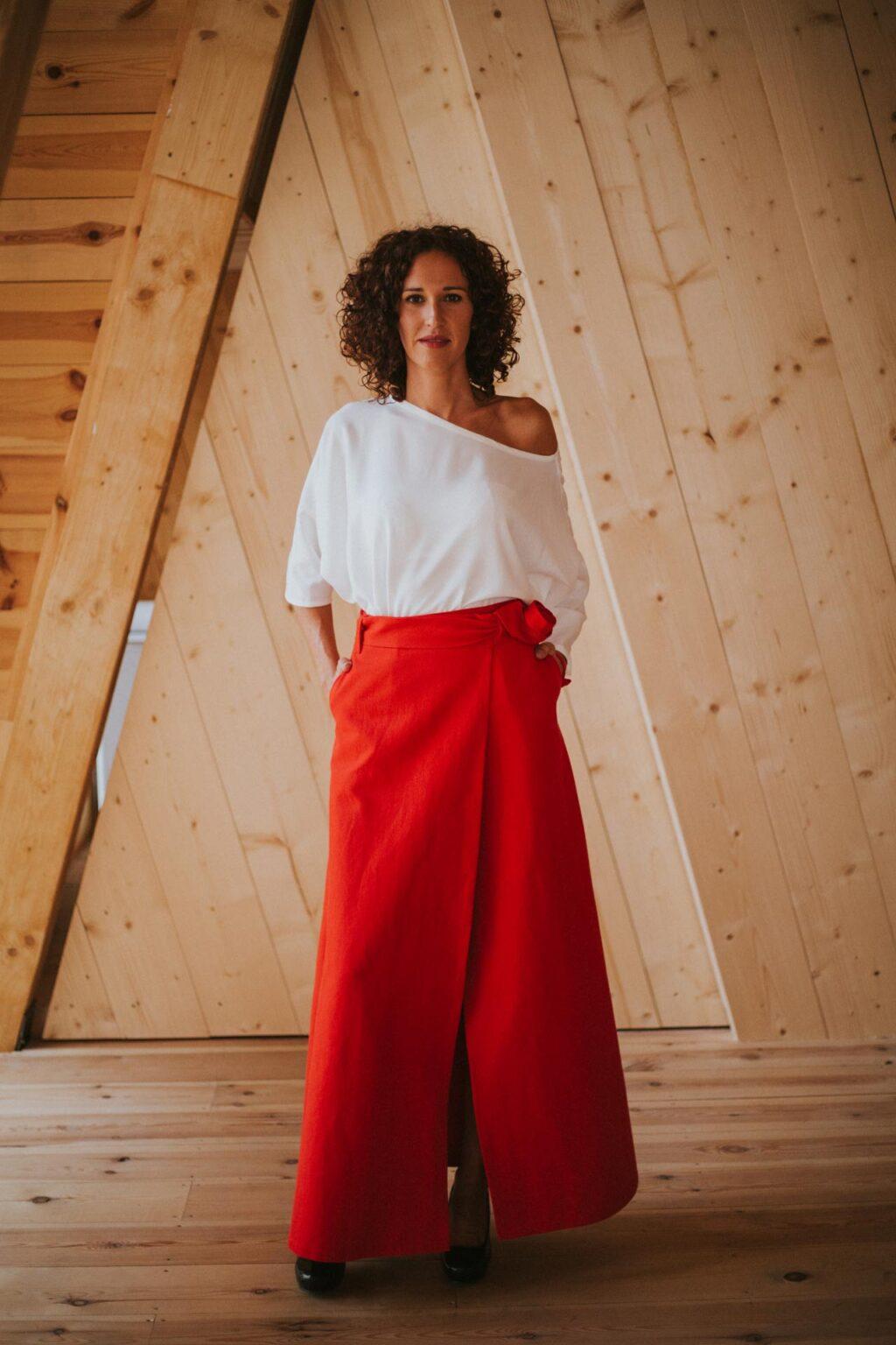 Rojo-Maldita-María-Falda-larga-pareo-con-cinturón-detalle-lateral