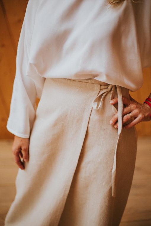 P-Rojo-Maldita-María-falda-pareo-cañamo-beige-detalle