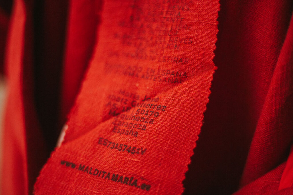 Tejido-cáñamo-Falda-Rojo-Maldita-María-moda-sostenible